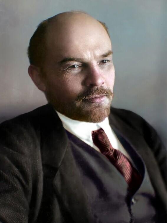 Владимир Ленин  - 165 см