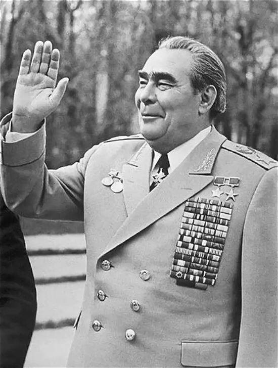 Леонид Брежнев - 173 см