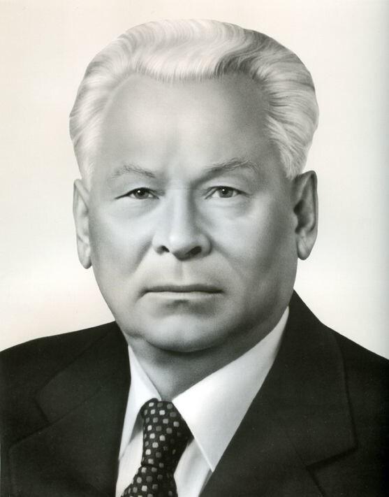 Константин Черненко - 178 см