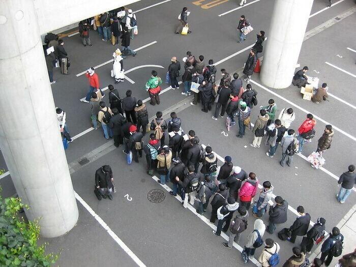 Японцы терпеливы к очередям