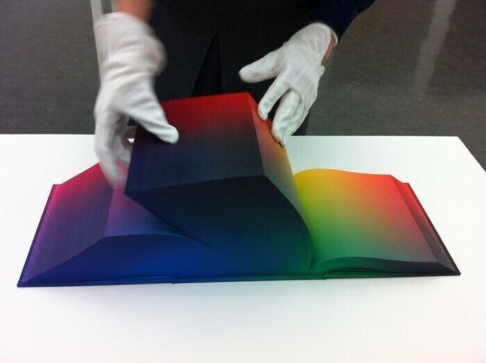 Цветовой атлас, в котором есть все существующие цвета