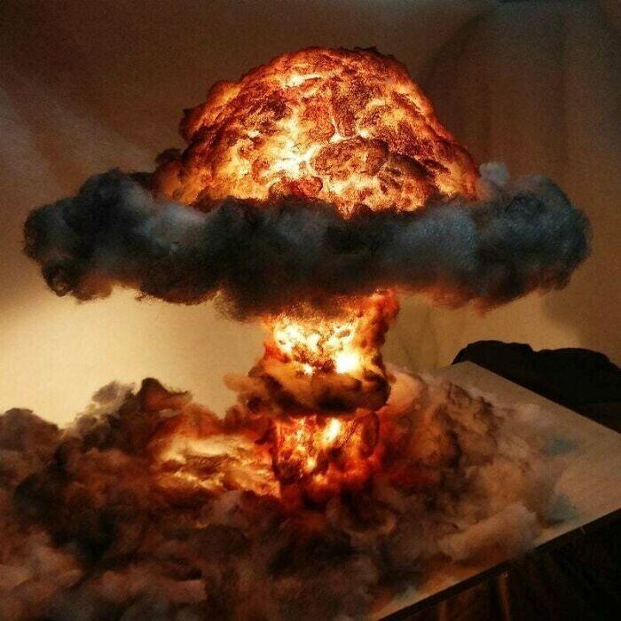 Лампа-ночник в форме ядерного взрыва - для любителей постапокалипсиса