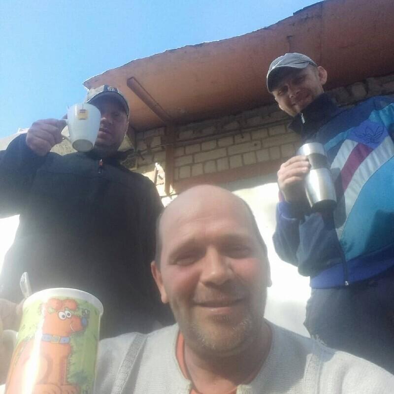 Посиделки с друзьями под пиво и шашлыки