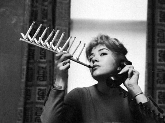 16. Изобретение 1955 года, с помощью которого можно скурить всю пачку за раз
