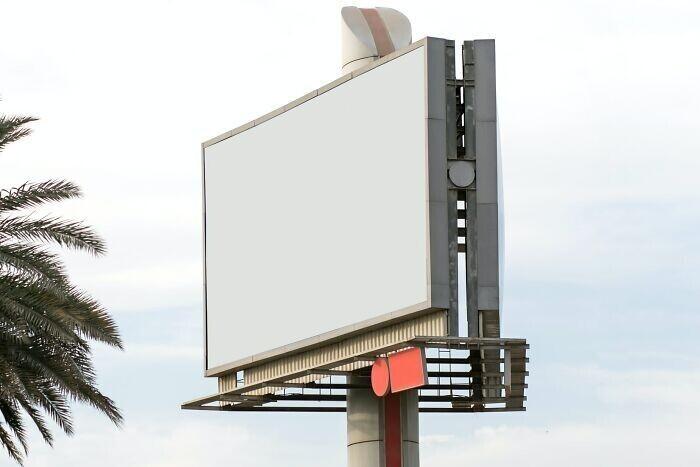 4. На Аляске, в штате Мэн, Вермонте и на Гавайях запрещены рекламные щиты