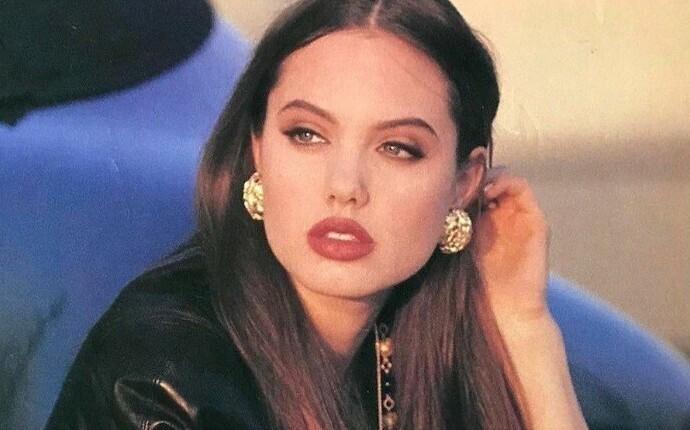 Анджелина Джоли в 1992 году