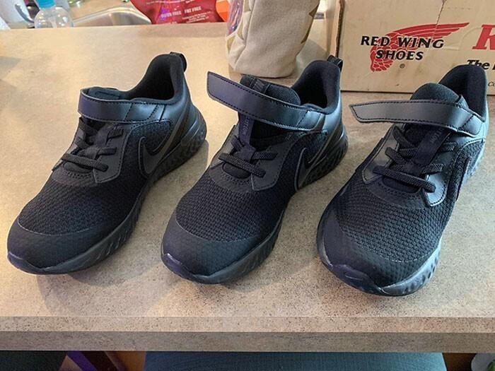 """7. """"Заказал онлайн кроссовки, прислали только один, на правую ногу. Затем """"исправились"""" и прислали еще два - и оба тоже на правую ногу"""""""