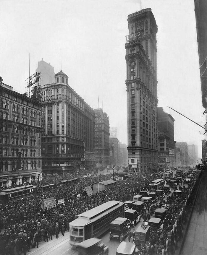 35. Таймс-сквер до рекламных щитов, 1919 год