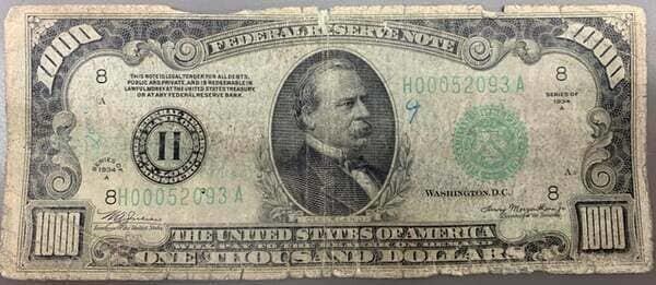 2. «Клиент принес в банк купюру 1934 года номиналом 1 000 долларов»