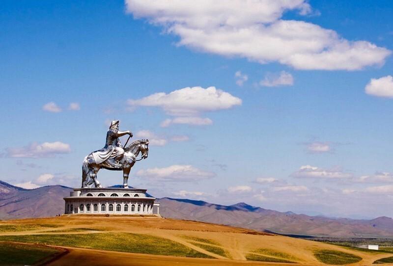 Статуя Чингисхана, Монголия