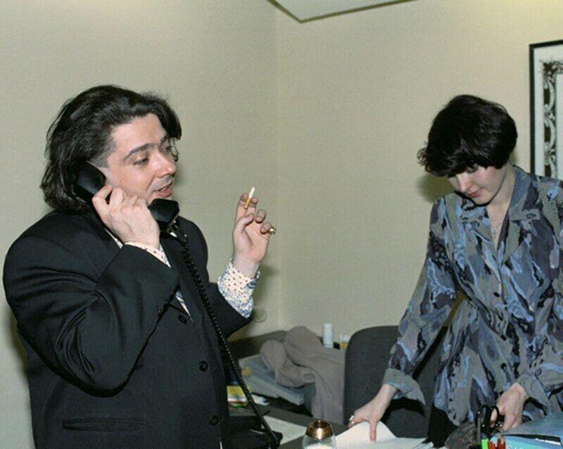 3. Дизайнер (тогда модельер) Юдашкин в 1994 году