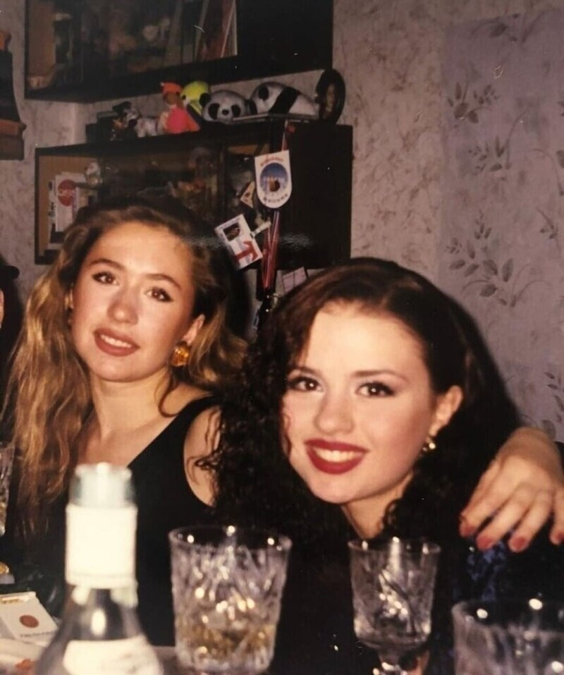 15. Фото из 1999 года: Анна Семенович и фигуристка Анастасия Гребенкина