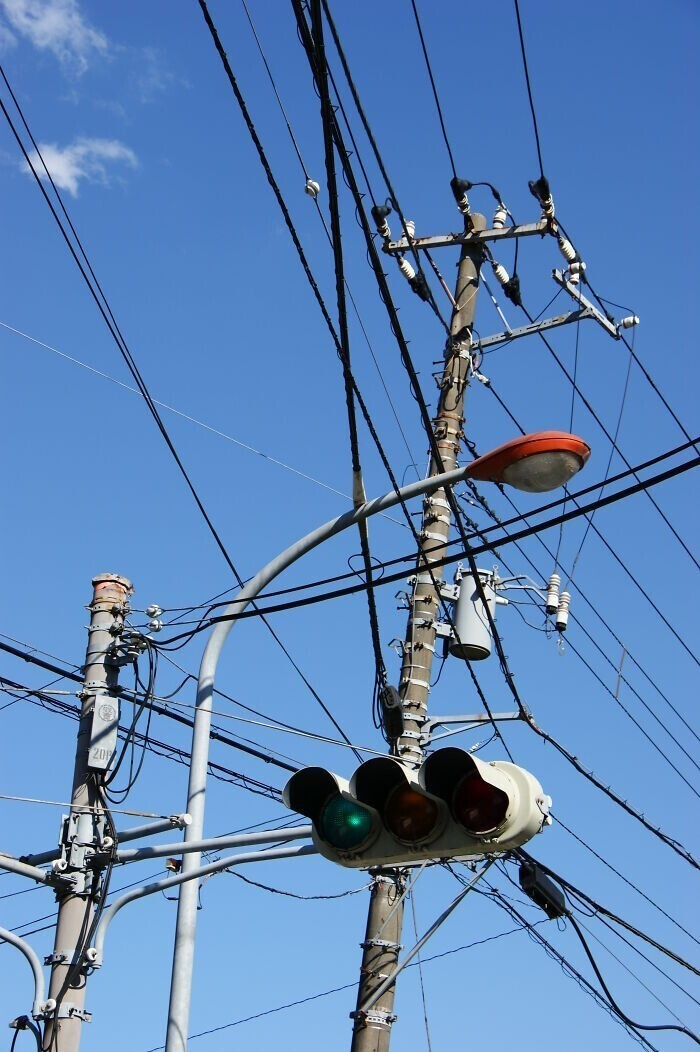 """Недавно одна моя знакомая спросила на полном серьезе: """"Как люди дышали до того, как появилось электричество?"""""""