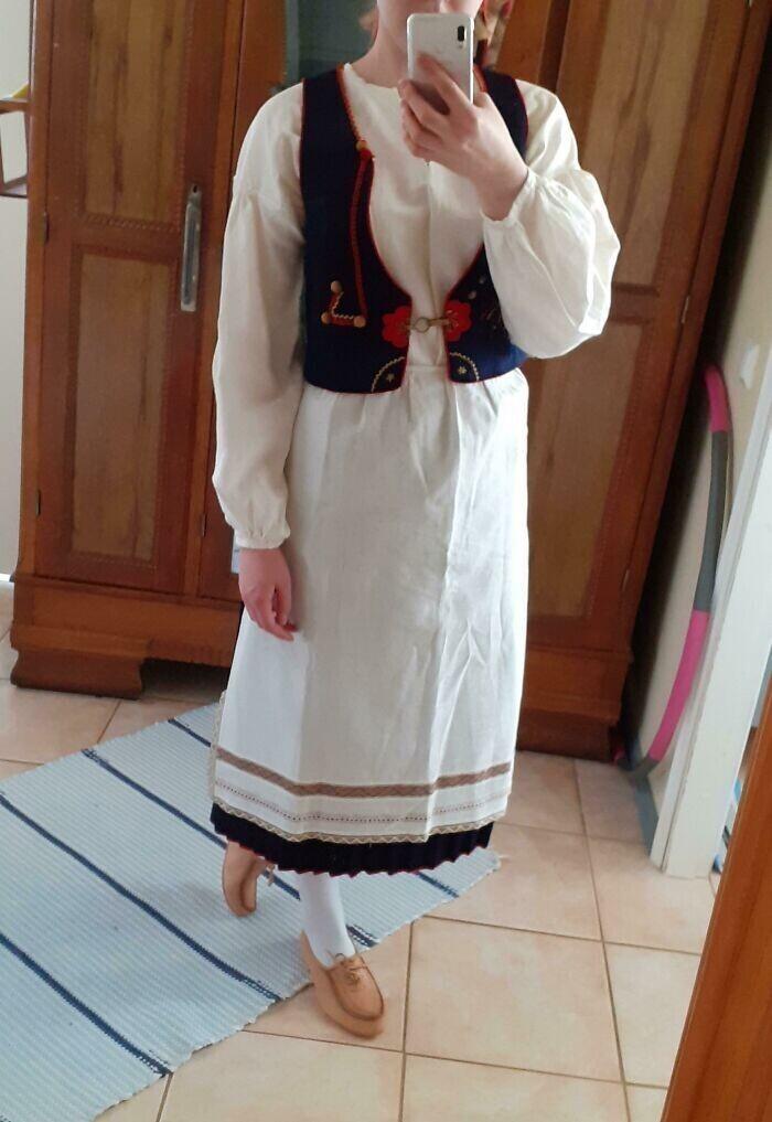 """Я в прабабушкином финском костюме 1936 года"""