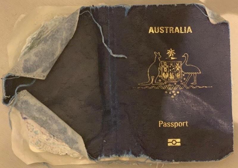 Случайно постирал паспорт жены