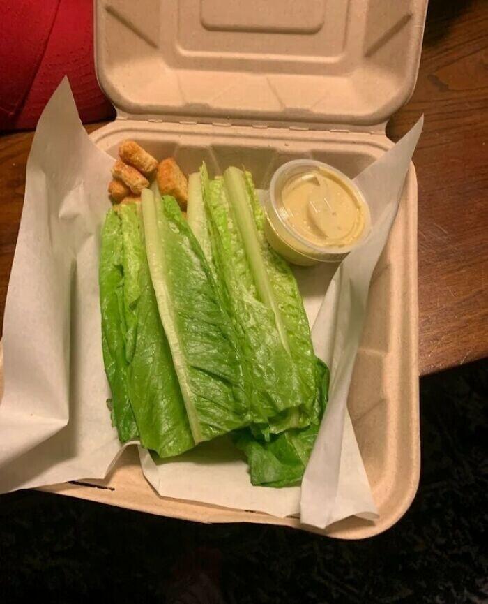 """22. """"Заказал салат за 15 долларов в одном из ресторанов"""""""