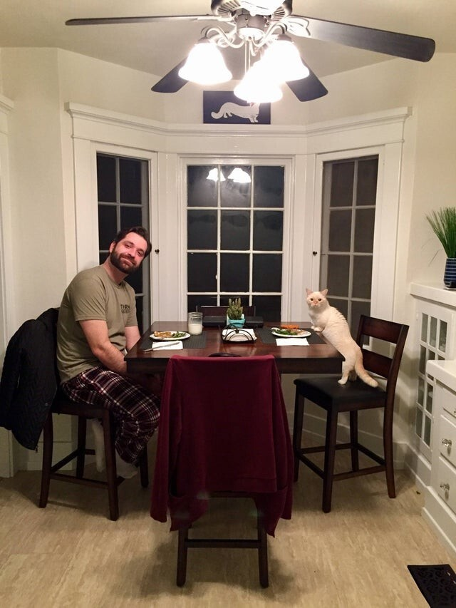 "Ужин отца и ""сына"""