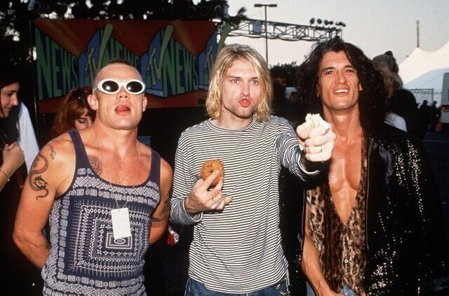 4. Фли, Курт Кобейн и Джо Перри. Примерно в начале 90-х