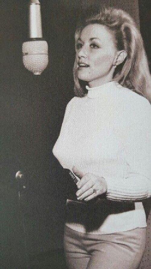 2. Долли Партон в начале карьеры, ок. 1966 года