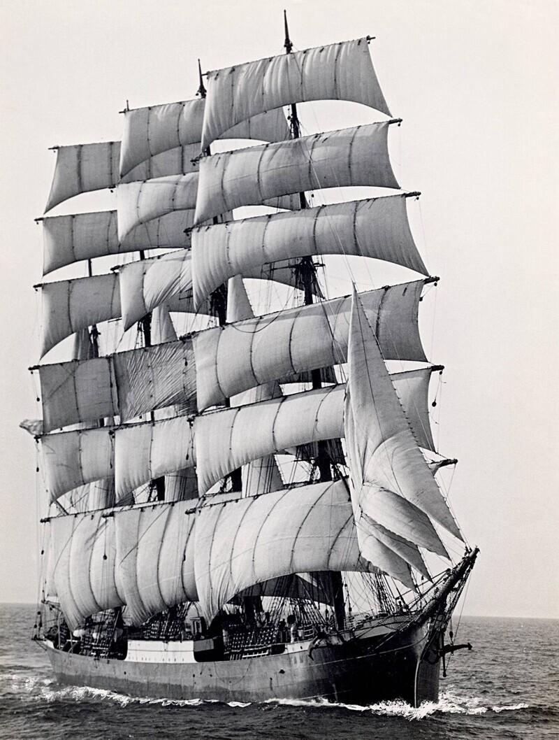 Памир - последний корабль, совершавший торговые рейсы, огибая мыс Горн, 1949 год