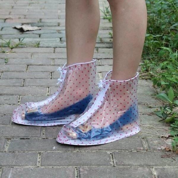 11. Бахилы, которые защитят обувь от дождя