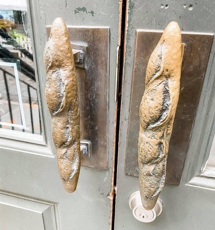 17. А это - двери пекарни