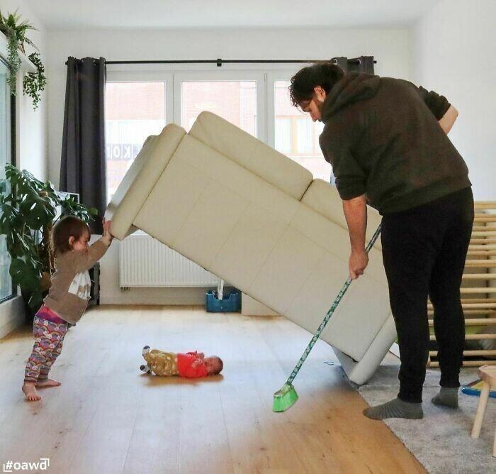 Чего только не найдешь под диваном!
