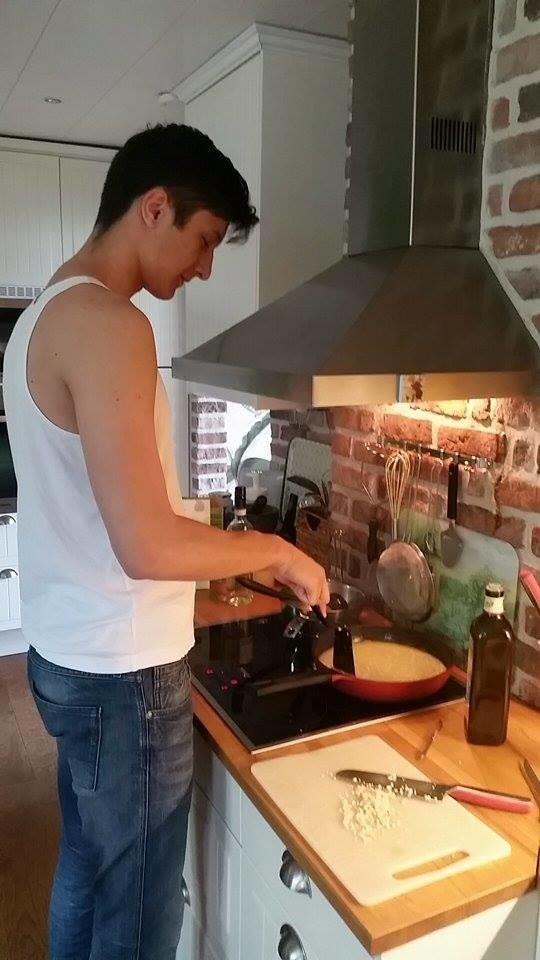 Мне сложновато готовить на кухне