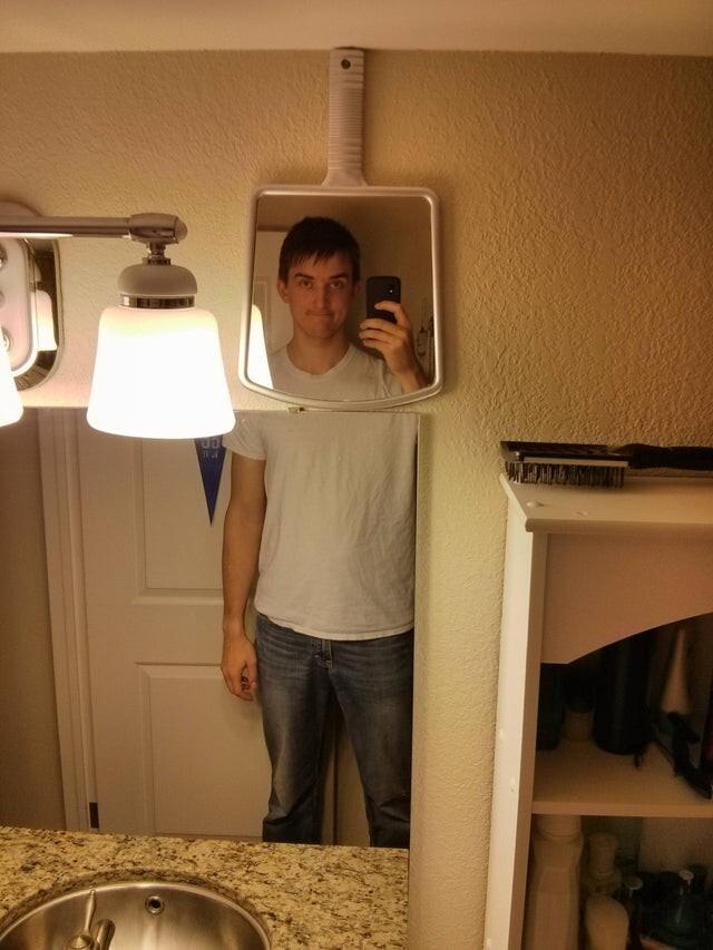 Только так я могу смотреться в зеркало