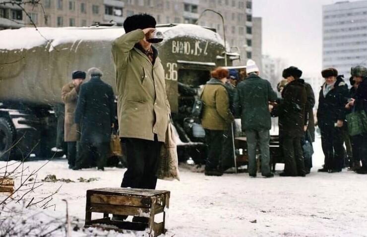 13. Реализация вина из цистерны в Москве, 1991 год