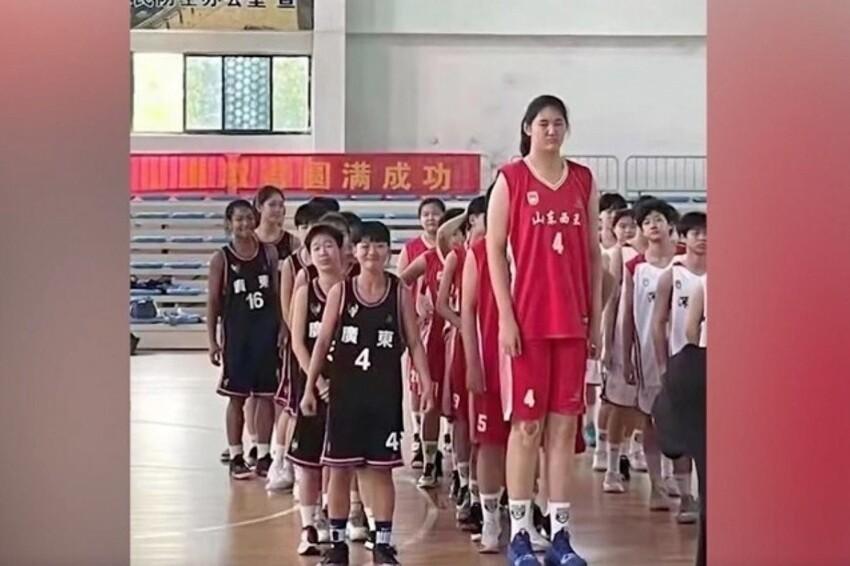 Этой девочке-спортсменке - 14 лет