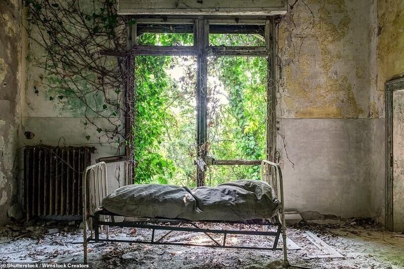 Больница на заброшенном острове Повелья в Венецианской лагуне, Италия