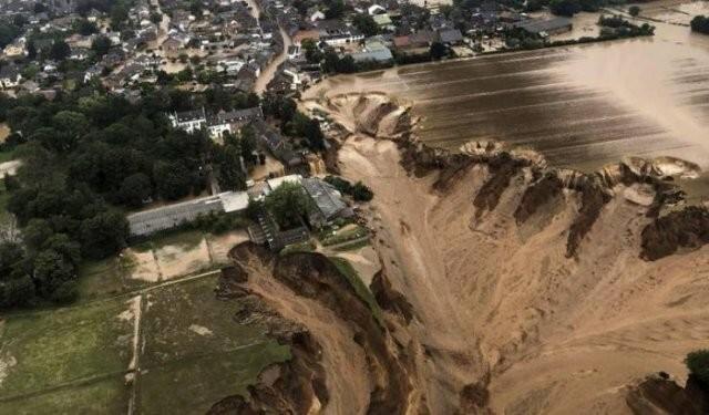 1. Последствия недавнего потопа в Германии