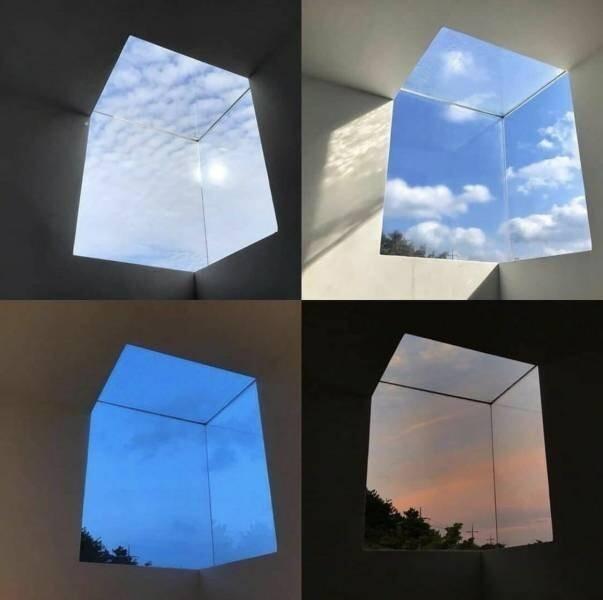 13. Необычное архитектурное решение: окно в форме куба. Как будто портал в другой мир!