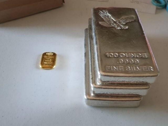 9. 5000 долларов в золоте и столько же в серебре