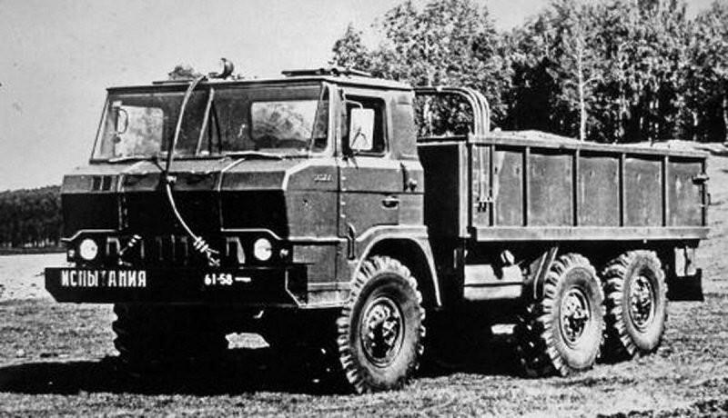 Плавающие грузовики Урал
