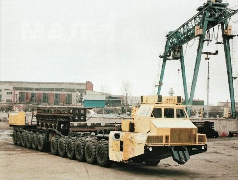 Многоосный тяжелый ракетовоз МАЗ