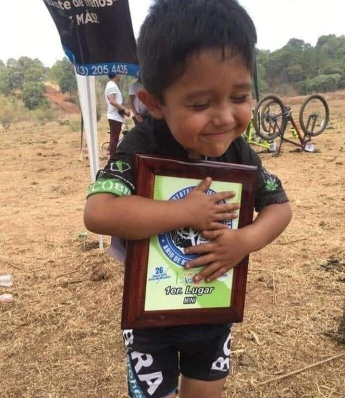 Победитель велосоревнований. Первая медаль