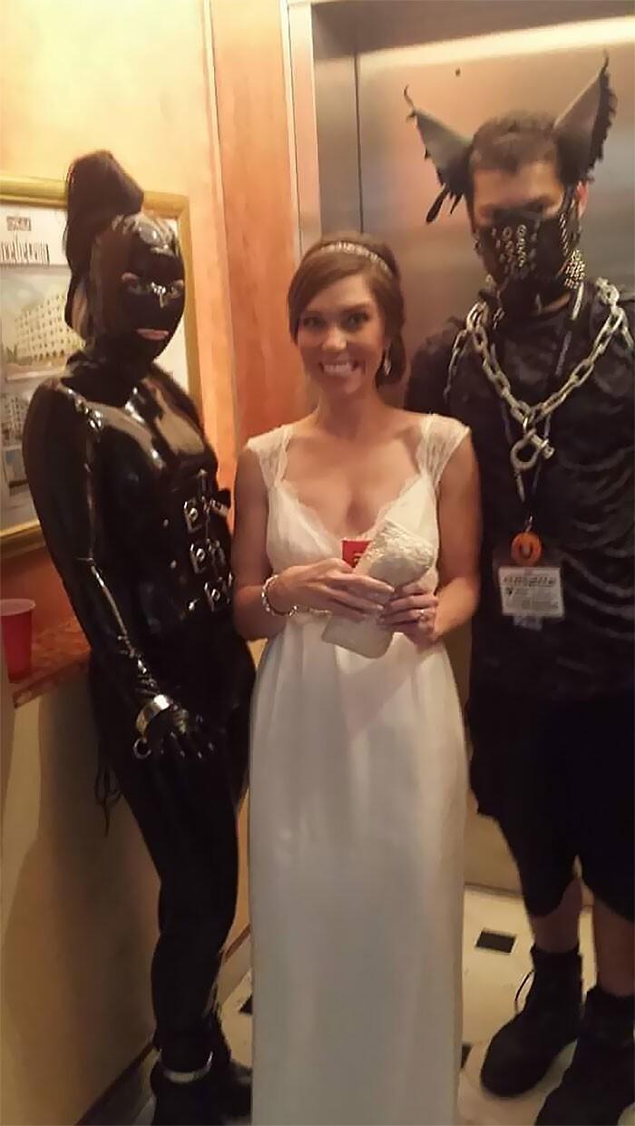 """12. """"Когда в отеле, где ты отмечаешь свадьбу, собрался съезд фетишистов"""""""