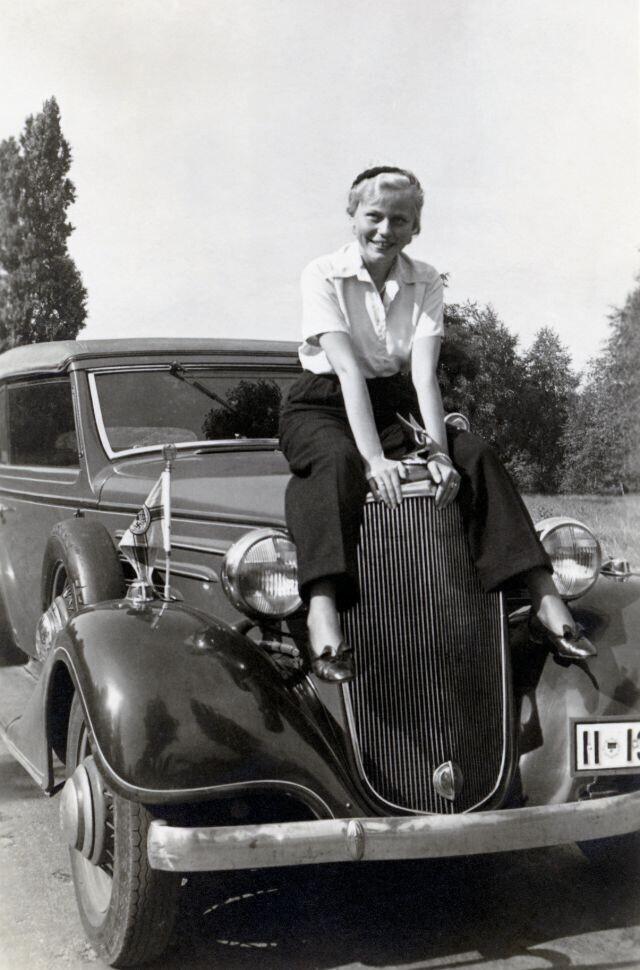 В 30-х женщины массово начали носить брюки