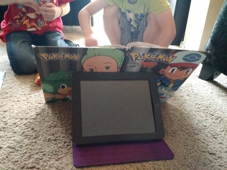 А если хочется почитать, iPad сам станет отличной подставкой