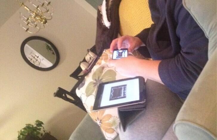 """""""Моя жена - изобретатель. Она не пересылает картинки на другое устройство, а фотографирует их с экрана. Действительно, так быстрее и удобнее"""""""