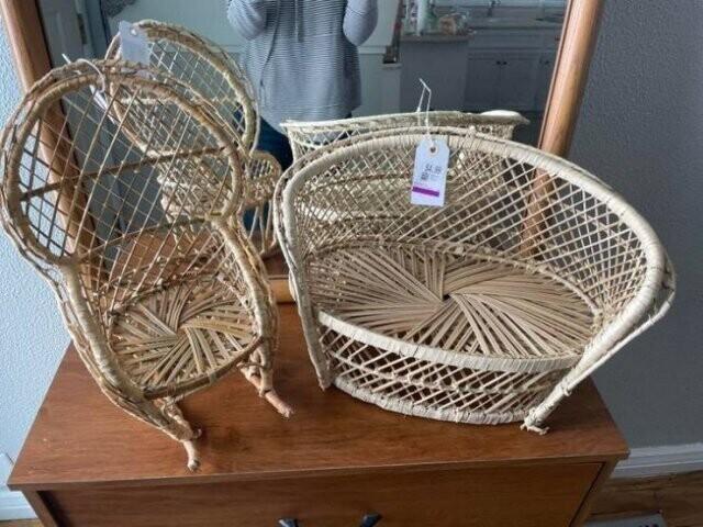 9. Игрушечная плетеная мебель