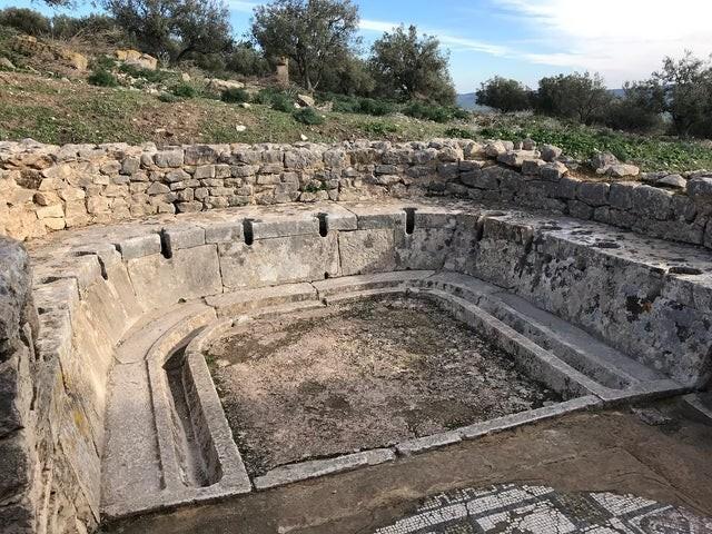 15. Общественный туалет древнего римского города Дугга, 1 век нашей эры