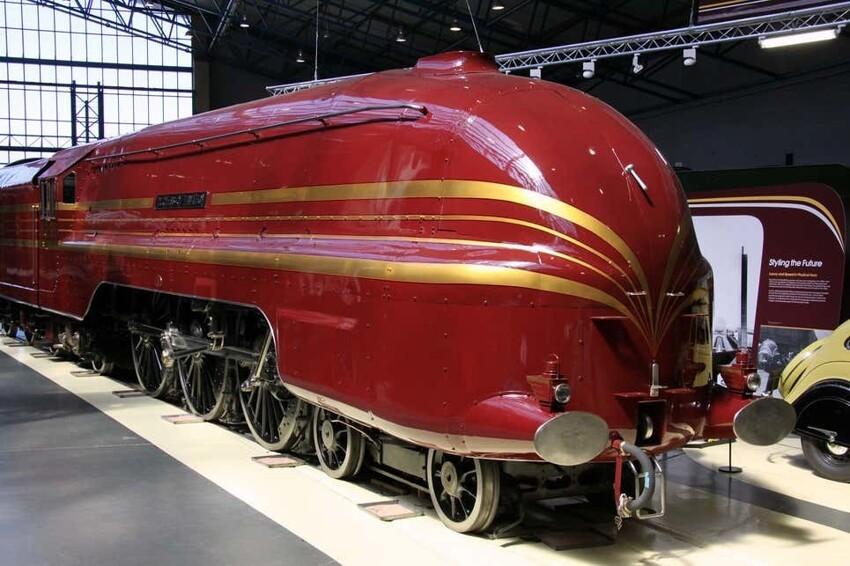 Локомотив LMS Coronation Class, представленный в 1937 году в ознаменование коронации короля Георга VI