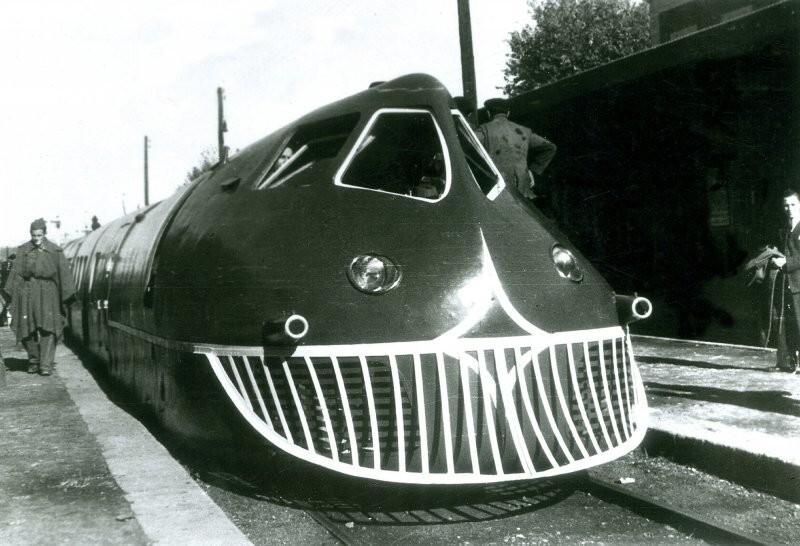 «Tren Articulada Ligero Goicoechea Oriols» (TALGO) появился в 40-х годах и считается первым «современным поездом» в истории