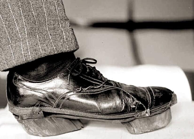 Ботинки с копытами: зачем они понадобились американцам?
