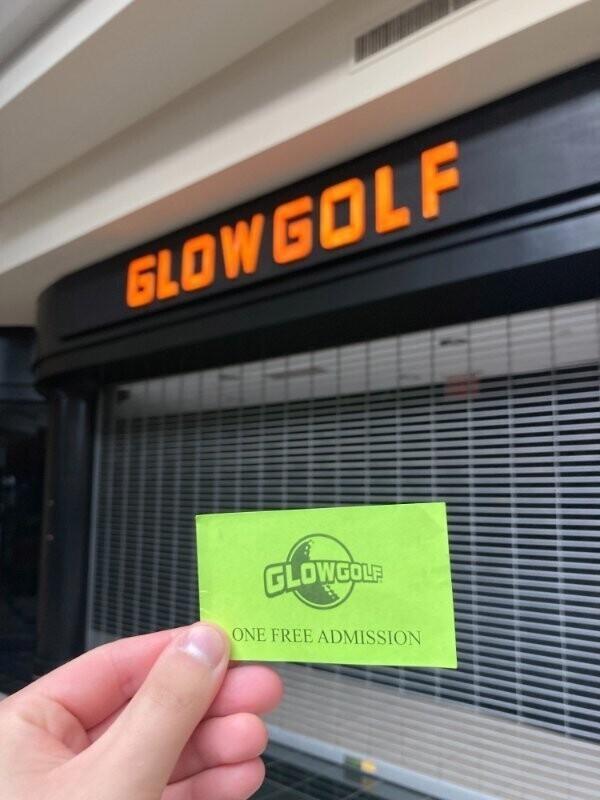 """""""Мне подарили бесплатный купон на игру в гольф, и я решил сохранить его до особого случая. И вот особый случай настал - пандемия: когда карантин закончился, гольф-клуб закрылся"""""""