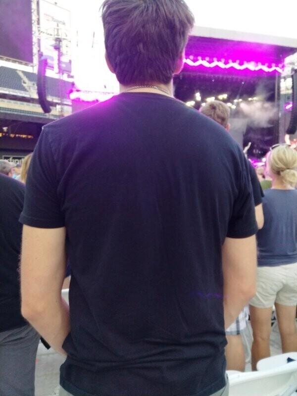 """""""Так выглядит любой концерт для человека маленького роста - то есть, меня"""""""