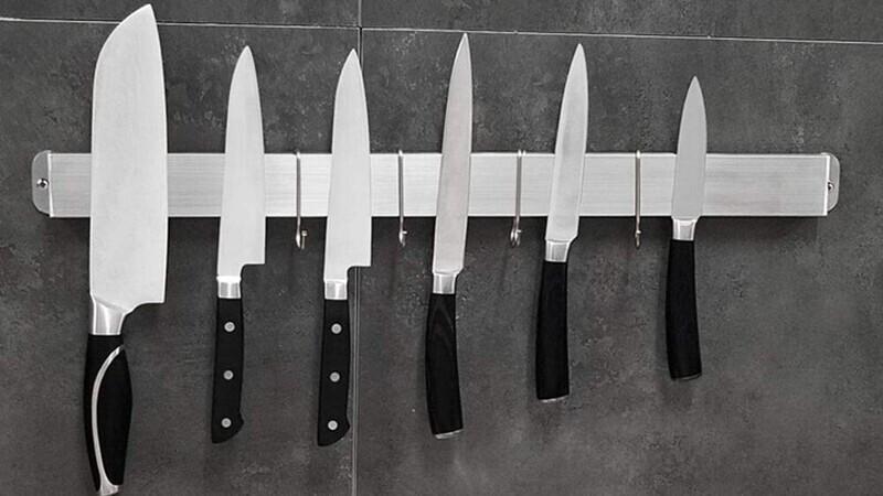 """""""Магнитные держатели для ножей гораздо лучше подставок и блоков. В последних скапливается много микробов и бактерий"""""""
